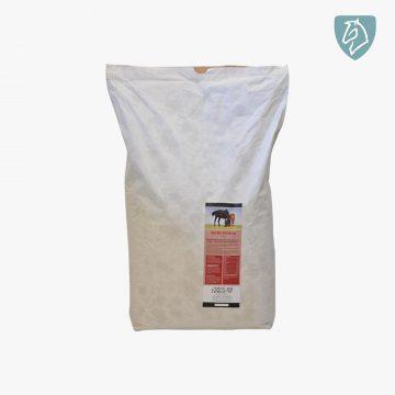 Nordic Struktur er en fuldfoder müsli af højeste kvalitet, der dækker ind med vitaminer og mineraler selv ved lav daglig udfodring. Nordic Struktur er 100% kornfri, rig på fibre, og sammensat således at hestens fordøjelse og tarmfunktion understøttes og optimeres.